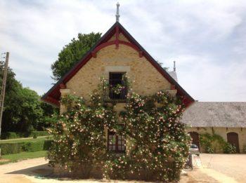 Basse cour du Château de Maubranche